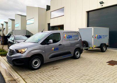 Autoreclame Autobelettering Bestelwagen Aanhangwagen Belettering Opel Combo LDA
