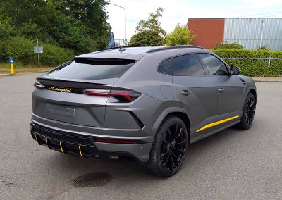 Carwrapping Color Change Lamborghini Urus