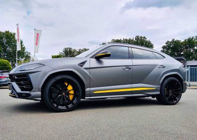 Carwrapping Color Change Lamborghini Urus F3